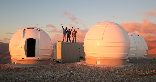 Picture of the extra observatory with three domes